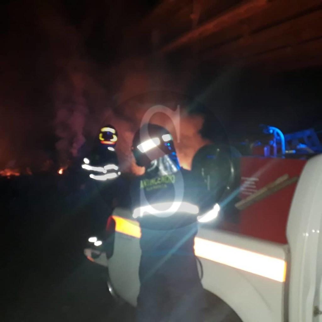 Cronaca. Barcellona PG, incendio in via Milite Ignoto. Provvidenziale intervento del Club Radio Cb