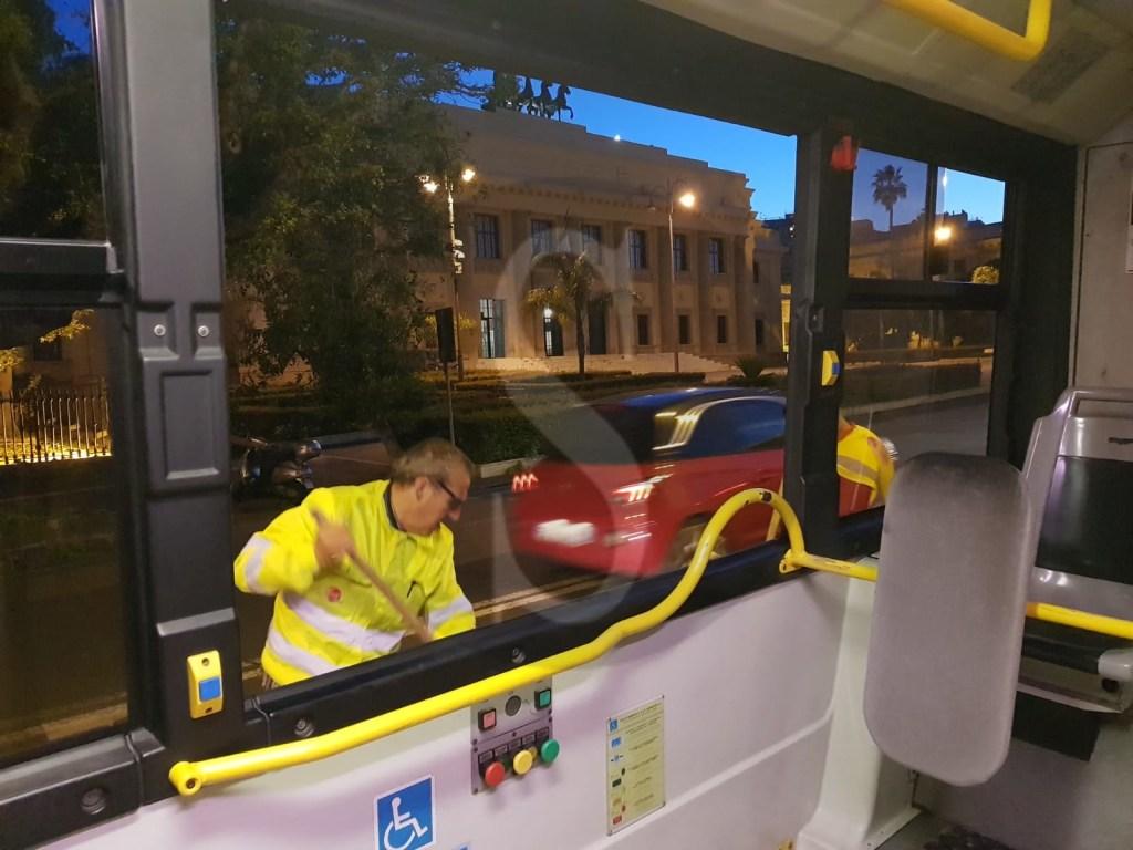 Messina, vandali in azione su bus ATM: individuati tre membri del branco