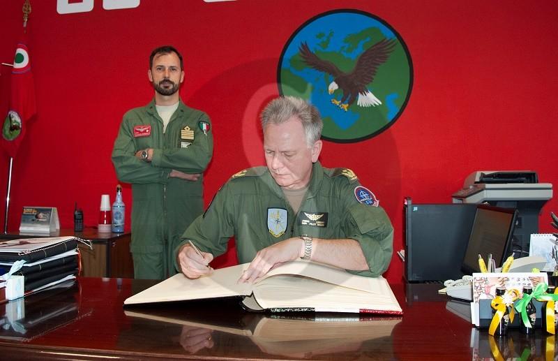 I Senior National Representative della NATO AEW in visita in Sicilia