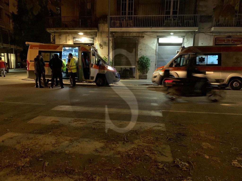 Messina, incidente in corso Cavour: auto si schianta su bus, 2 feriti