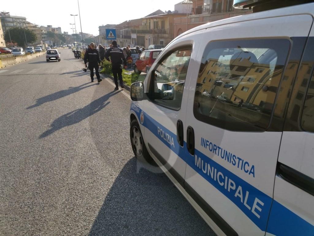 Messina, travolge una donna sul viale Giostra e poi fugge: caccia al pirata della strada