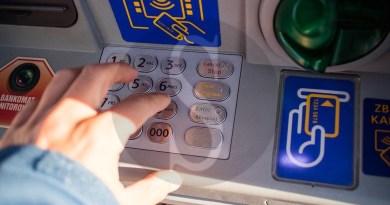 Messina, ruba carta di credito e si dà alla pazza gioia: in manette 44enne