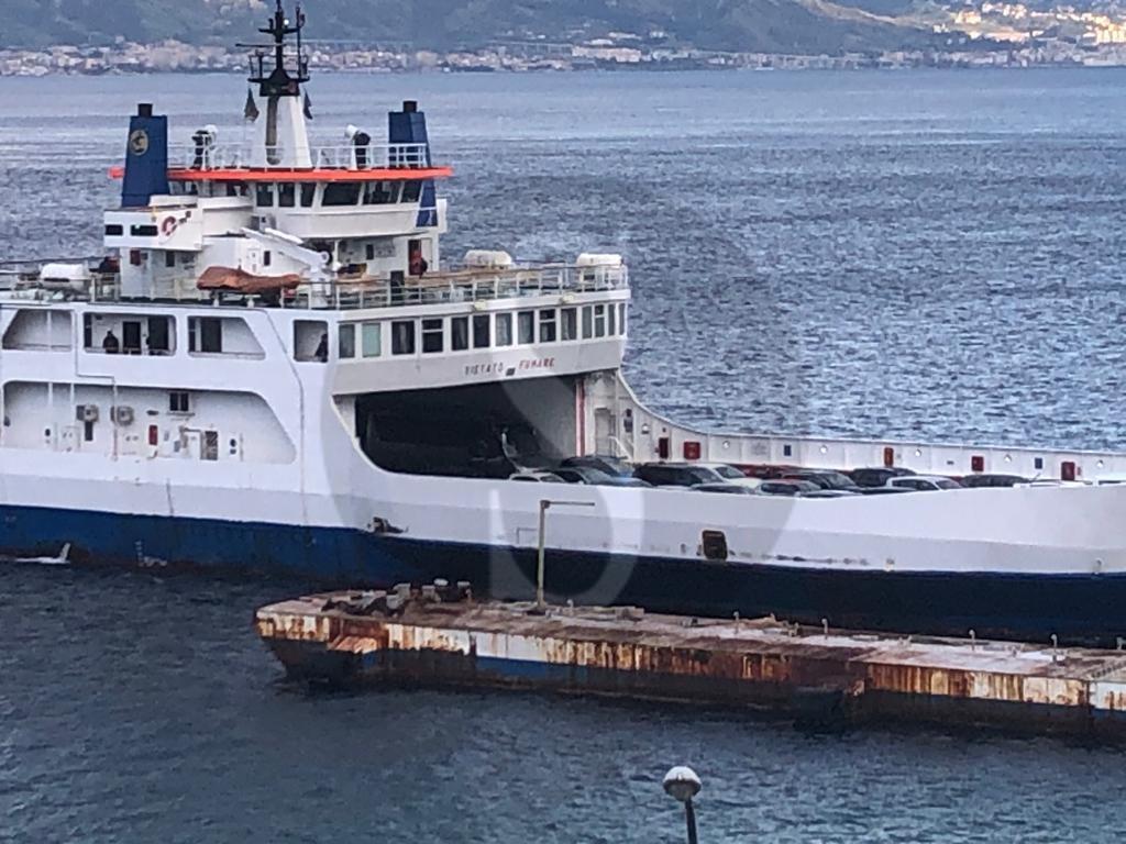 Coronavirus, anche oggi oltre 150 auto hanno attraversato lo Stretto per sbarcare in Sicilia