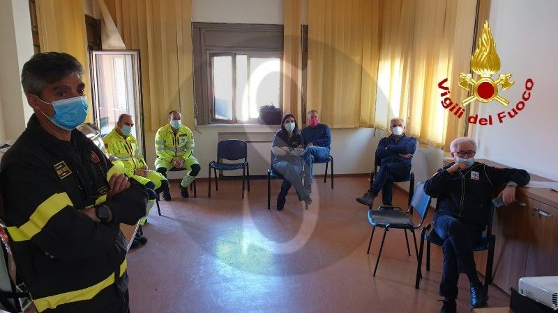 Messina, Vigili del Fuoco e SUES 118 del Papardo insieme contro il coronavirus