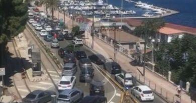 Traffico in tilt per il controesodo a Messina, riapre oggi e domani lo svincolo di Giostra