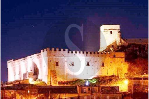 Montalbano Elicona by night, venerdì visita guidata al Castello e al borgo medievale