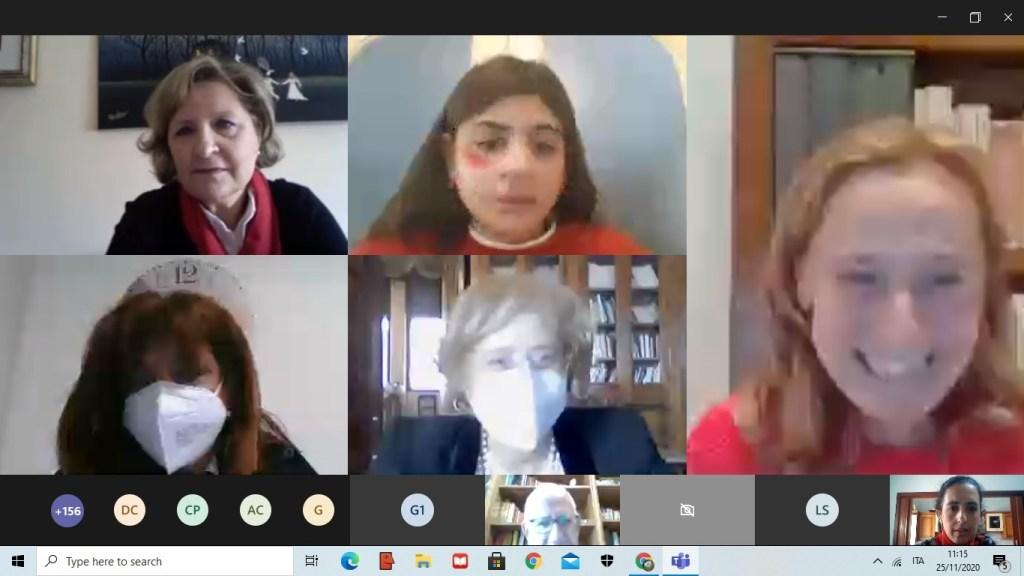 Messina, Giornata contro la violenza sulle donne: anche la Manzoni in prima linea con alunni e docenti