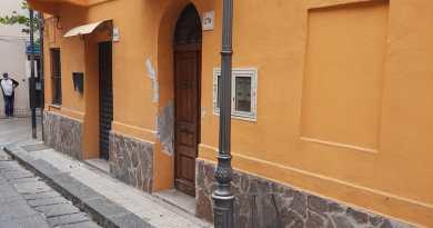 Barcellona PG – Crolla plafoniera, paura in via Umberto I