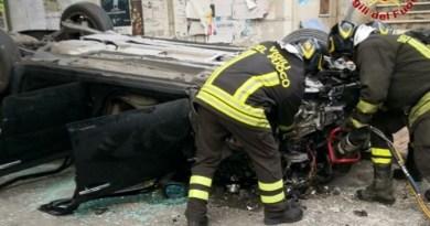 Incidente sulla A20, auto vola giù dal viadotto a Torregrotta
