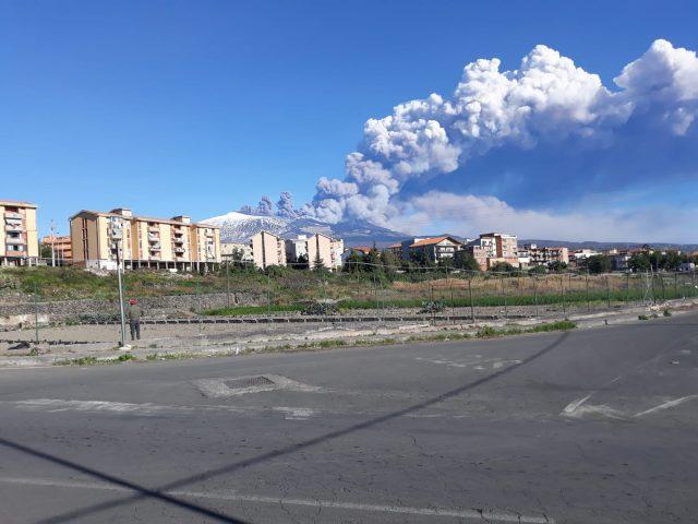 eruzione etna - aeroporto - catania