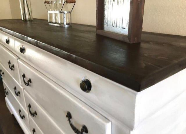 furniture flipping detail picture