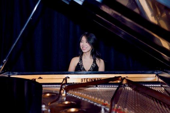 Sophia Zhou