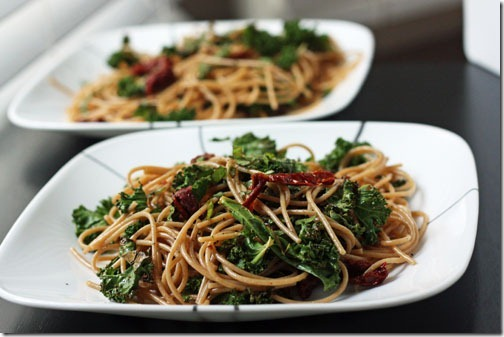 pasta with sundried tomatoes, kale, basil