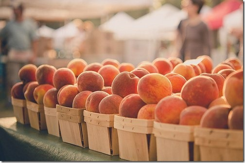 peaches fruit stand
