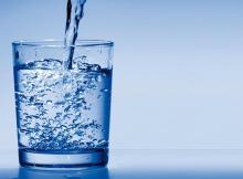 L'eau du robinet est bonne et pas chère.