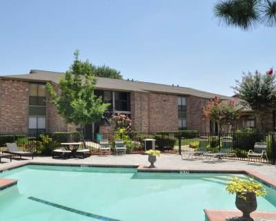 Siena Courtyard Pool2
