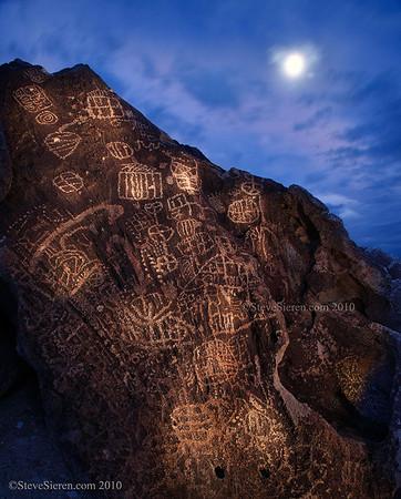 Petroglyphs Owens Valley