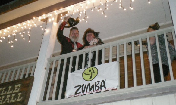 Dan & Donna McNamara greet from the balcony