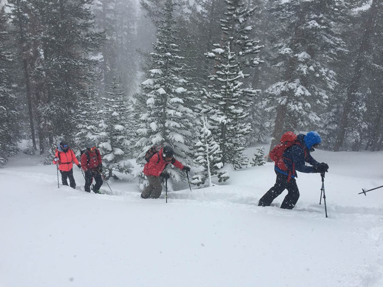 3/5 AIARE 1 avalanche course in a storm