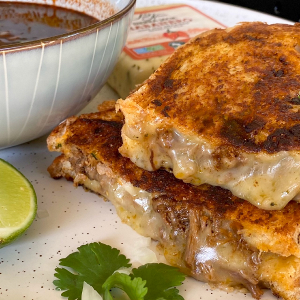 birria-grilled-cheese-3-2