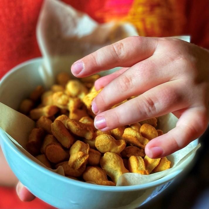 cheddar goldfish bowl