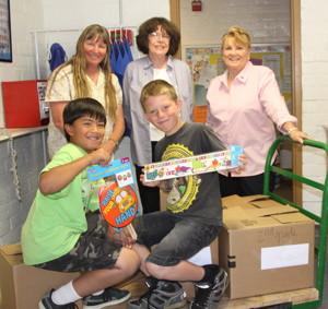 Karen Marshall, Pat Nahin, Kay O'Brien, in front Jacob Gilbert and Walker Thomas, fourth graders: photo by Ed Nahin
