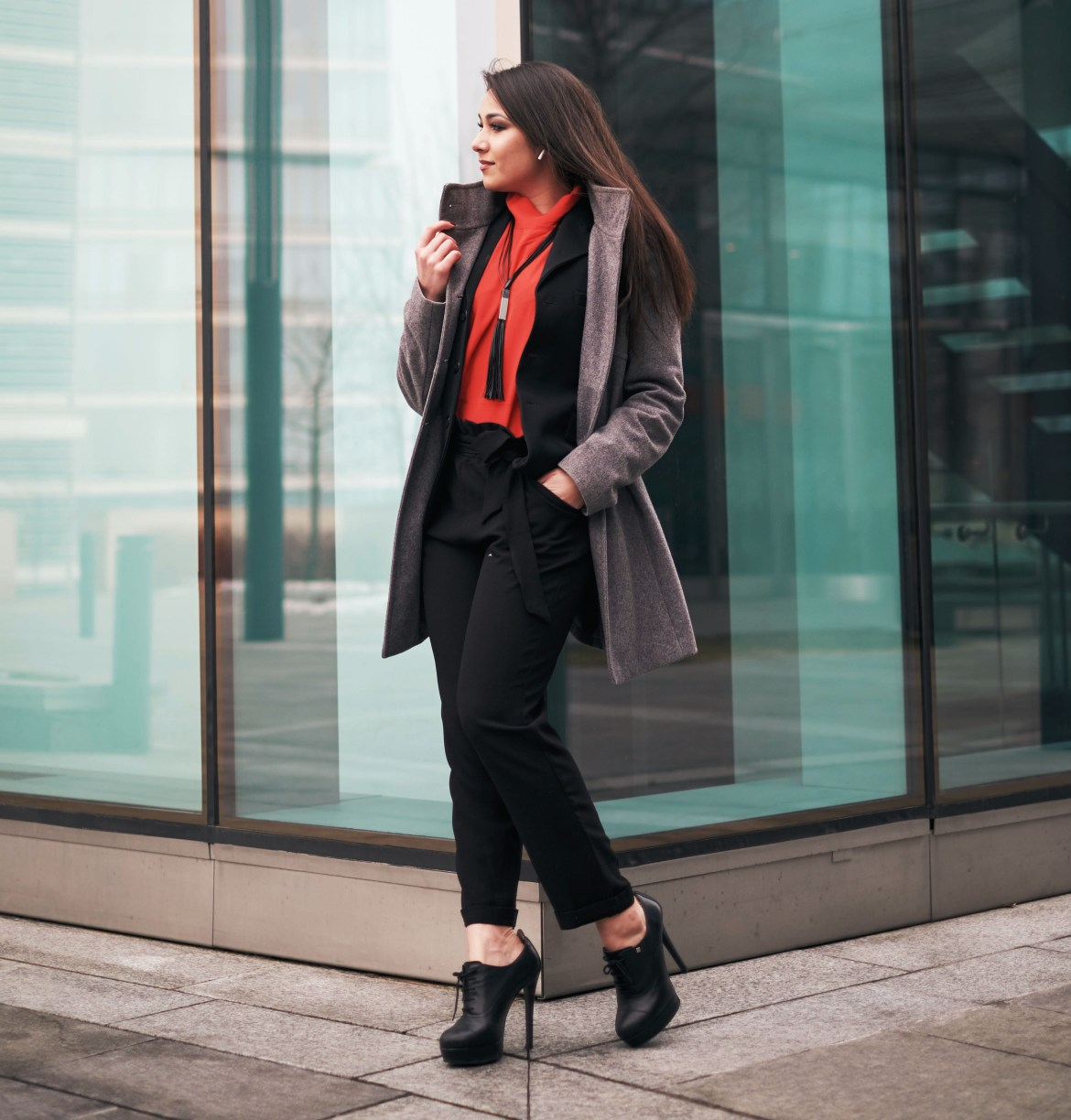 Vibrant Business Work Outfit Ideas for Women