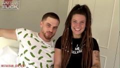 Hippie con unas tetas espectaculares follando con el novio