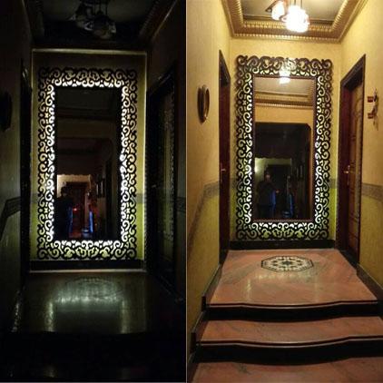 Miroir cadre bois avec éclairage intégré