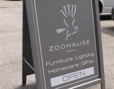 0905yy1408-wooden-a-board-sign-for-zoohause-of-woburn-bedfordshire_big