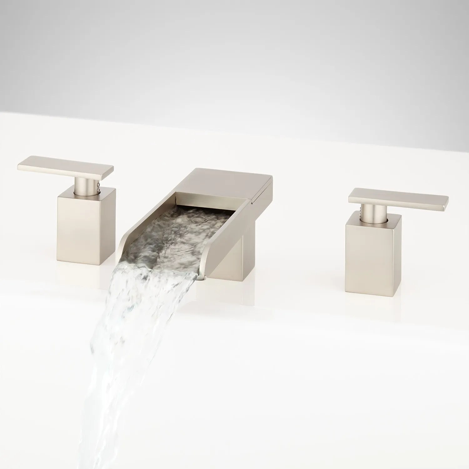 Willis Waterfall Roman Tub Faucet Bathroom