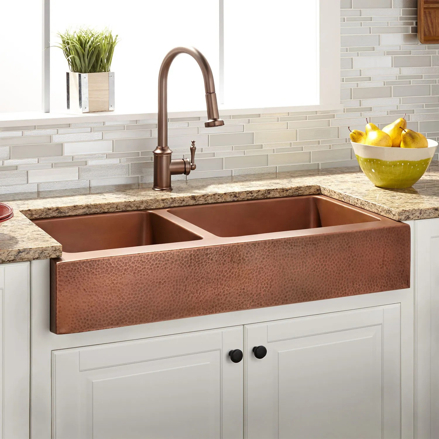 33 vernon 60 40 double bowl hammered copper retrofit on kitchens with farmhouse sinks id=16461