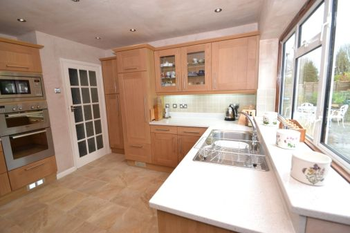 Kitchen Makeover - The Chase 5