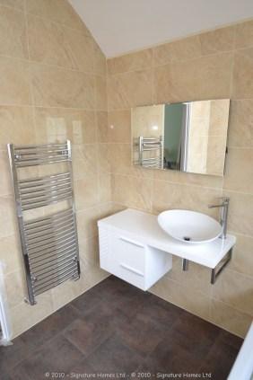 Beautiful Minimalistic Fitted Bathroom - Marlpit Lane 1