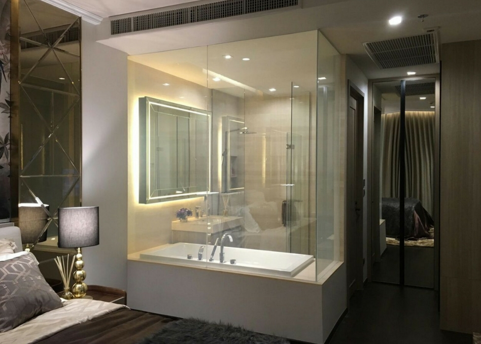 clear switchable film in bathroom