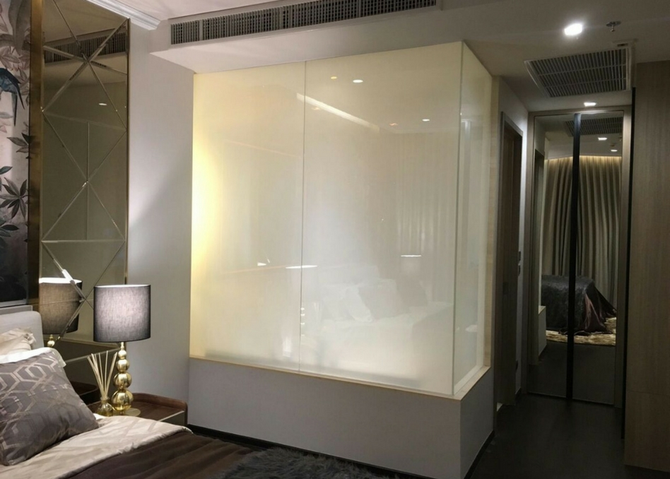 frosted switchable film in bathroom