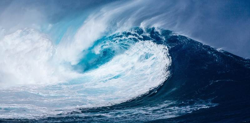 El mar y el cielo influencian los significados del color azul