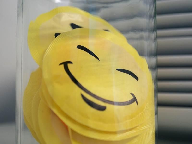 El principal significado del color amarillo es el de felicidad y alegría