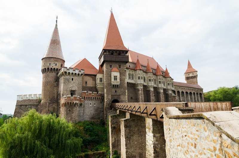 aprendiendo los colores en rumano nos adentraremos en la desconocida y rica cultura de Rumanía