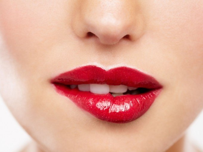 el color carmesi y todas sus tonalidades es muy utilizado para barras de labios