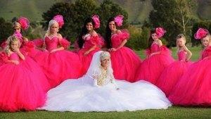 el color rosa mexicano es muy utilizado en moda