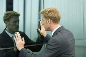 Psicólogos Descobriram Que Falar Sozinho Pode Ser Um Sinal De Inteligência Superior
