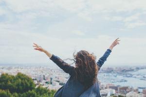 Por Que Tantas Mulheres Inteligentes e Atraentes Continuam Solteiras? O Motivo é Surpreendente
