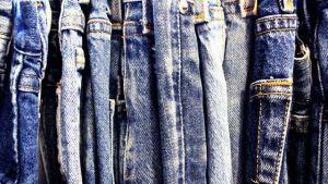 ▷ Sonhar Com Calça Jeans 【Significados Reveladores】