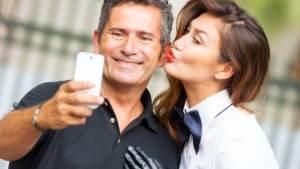 9 Benefícios Em Namorar Um Homem De 50 Anos