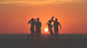 ▷ 9 Belíssimas Poesias Sobre Amizade – Só as melhores