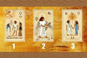 Escolha uma carta egípcia e seu futuro será revelado! Qual você escolhe?