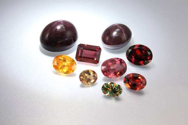 foto da pedra preciosa granada