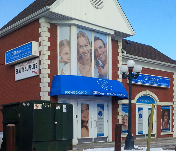 outdoor-commercial-illuminated-sign-box-awning-window-graphics-toronto
