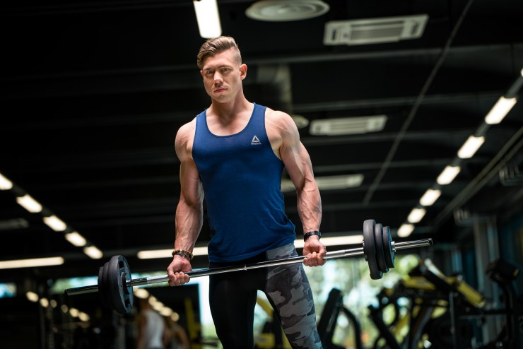 Barbell curls with Egert Oiov